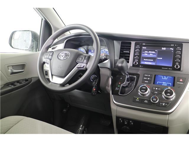 2020 Toyota Sienna LE 7-Passenger (Stk: 293403) in Markham - Image 14 of 25