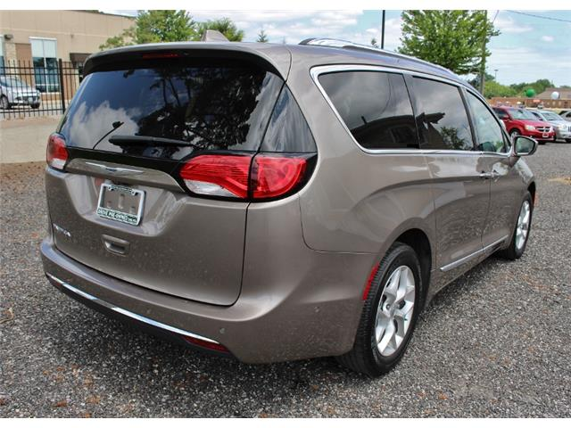 2017 Chrysler Pacifica Touring-L Plus (Stk: D0101) in Leamington - Image 7 of 30