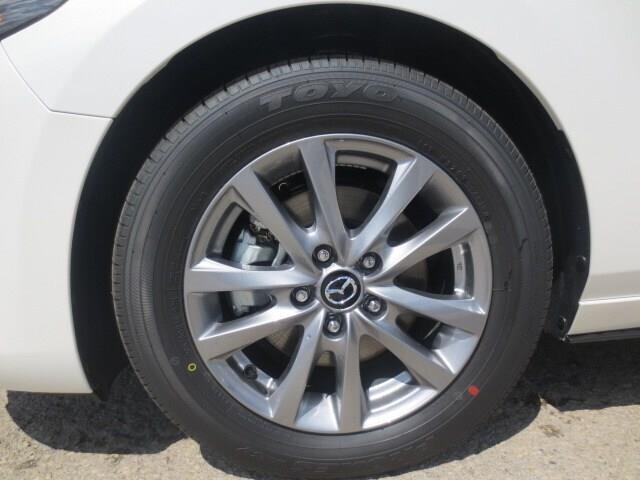 2019 Mazda Mazda3 Sport GS (Stk: M19140) in Steinbach - Image 6 of 27