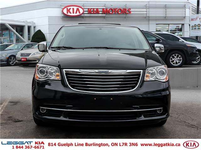 2016 Chrysler Town & Country Limited (Stk: 912014A) in Burlington - Image 2 of 27