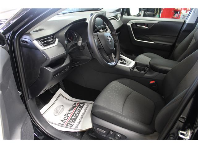 2019 Toyota RAV4 XLE (Stk: C019995) in Winnipeg - Image 7 of 24