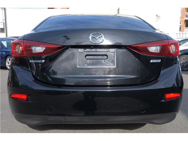 2018 Mazda Mazda3 GS (Stk: 562019A) in Victoria - Image 7 of 19
