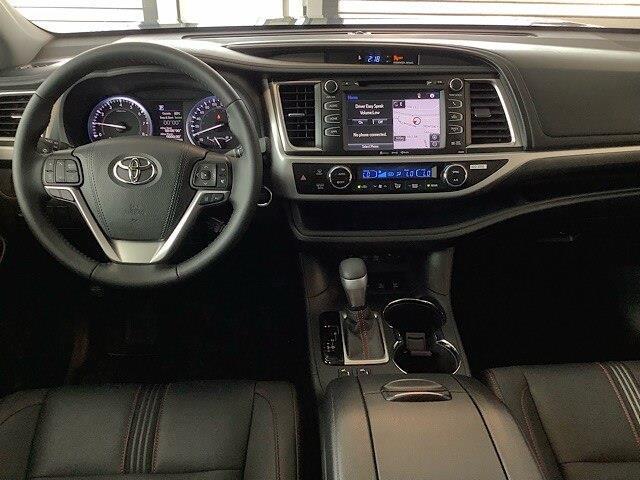 2019 Toyota Highlander XLE (Stk: 21242) in Kingston - Image 14 of 30