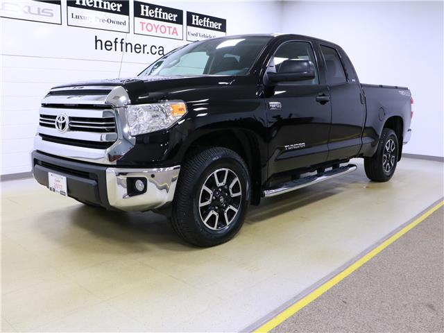 2017 Toyota Tundra SR5 Plus 5.7L V8 (Stk: 195641) in Kitchener - Image 1 of 31