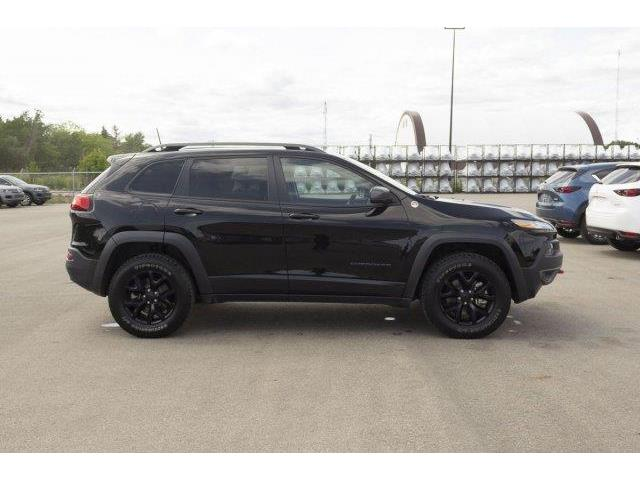 2018 Jeep Cherokee Trailhawk (Stk: V575) in Prince Albert - Image 4 of 11