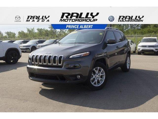 2017 Jeep Cherokee North (Stk: V650) in Prince Albert - Image 1 of 11