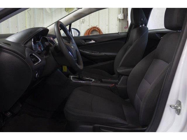 2018 Chevrolet Cruze LT Auto (Stk: V826) in Prince Albert - Image 9 of 11