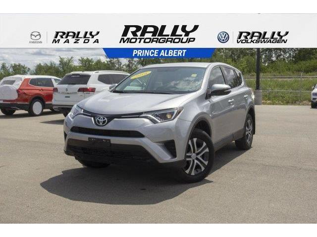 2016 Toyota RAV4 LE (Stk: V670) in Prince Albert - Image 1 of 11