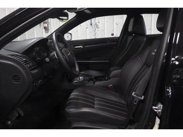 2018 Chrysler 300 S (Stk: V753) in Prince Albert - Image 9 of 11