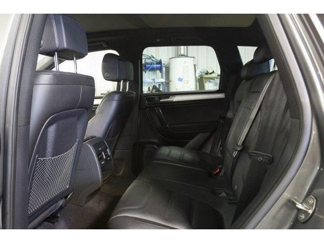 2016 Volkswagen Touareg  (Stk: V915) in Prince Albert - Image 11 of 11