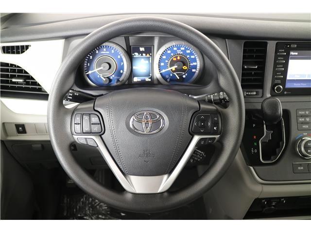 2020 Toyota Sienna LE 8-Passenger (Stk: 293204) in Markham - Image 13 of 24