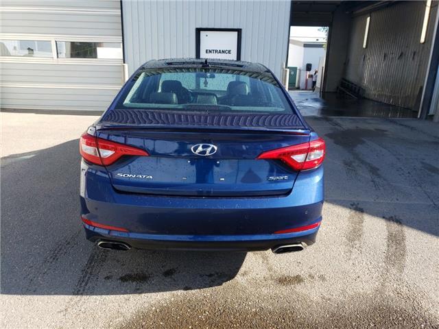 2015 Hyundai Sonata 2.0T (Stk: 15240) in Fort Macleod - Image 5 of 18