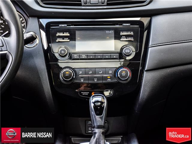 2017 Nissan Rogue SV (Stk: P4573) in Barrie - Image 16 of 26