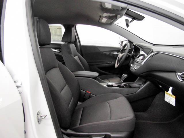 2019 Chevrolet Malibu LT (Stk: M9-61770) in Burnaby - Image 8 of 12