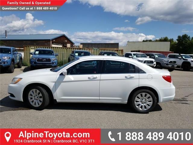 2013 Chrysler 200 LX (Stk: 3015084A) in Cranbrook - Image 2 of 18
