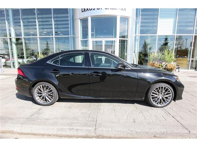 2019 Lexus IS 300 Base (Stk: 190633) in Calgary - Image 2 of 15