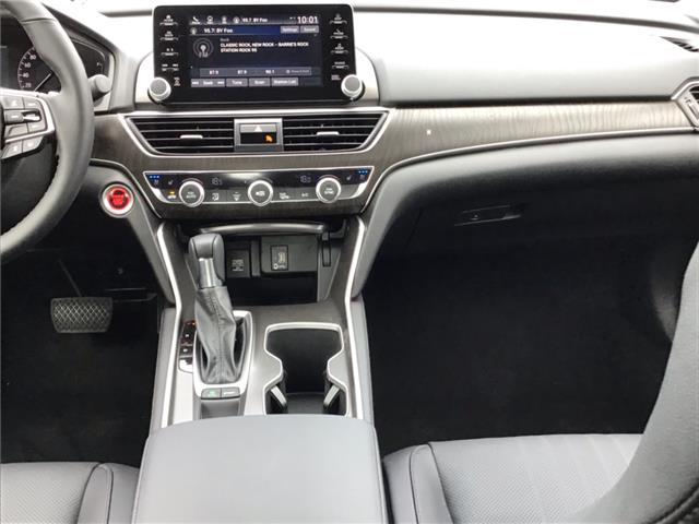 2019 Honda Accord Touring 2.0T (Stk: 19684) in Barrie - Image 17 of 23