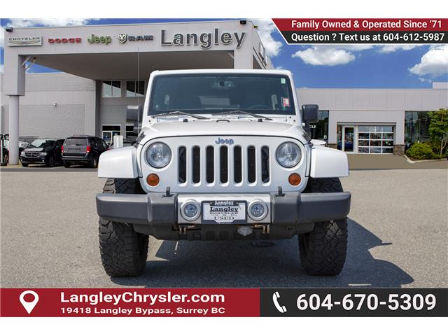 2013 Jeep Wrangler Unlimited 23G (Stk: J864102A) in Surrey - Image 2 of 24