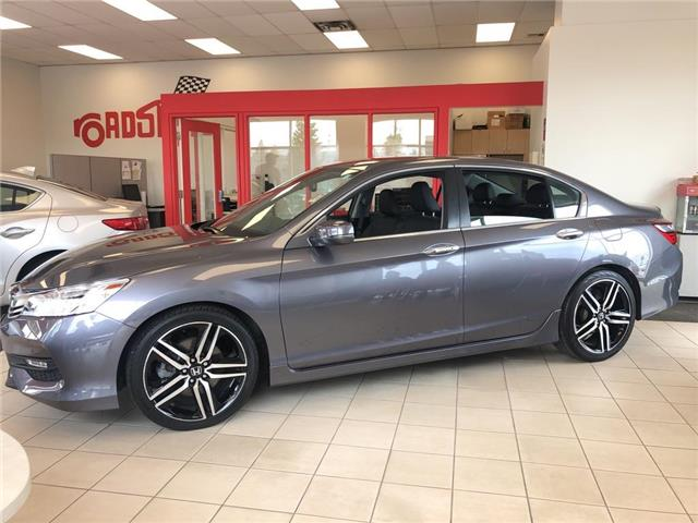 2017 Honda Accord Touring (Stk: 56900A) in Scarborough - Image 3 of 23
