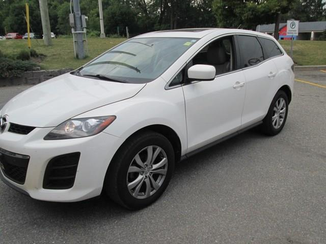 2011 Mazda CX-7 GS (Stk: 208731) in Gloucester - Image 1 of 18