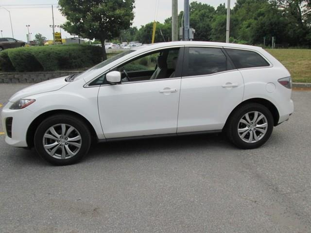 2011 Mazda CX-7 GS (Stk: 208731) in Gloucester - Image 2 of 18