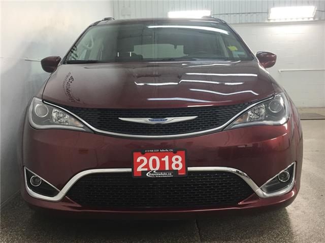 2018 Chrysler Pacifica Touring-L Plus (Stk: 35364W) in Belleville - Image 4 of 26