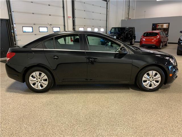 2016 Chevrolet Cruze Limited 1LT (Stk: P12106) in Calgary - Image 4 of 17