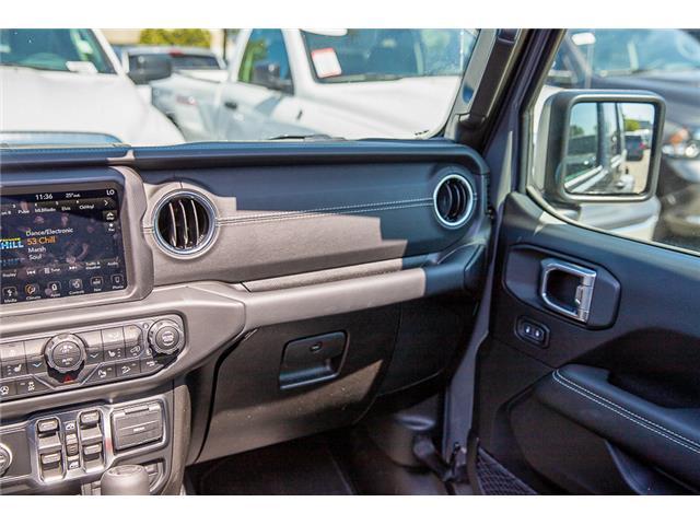 2019 Jeep Wrangler Unlimited Sahara (Stk: K647517) in Surrey - Image 16 of 27