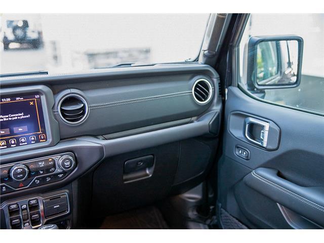 2019 Jeep Wrangler Unlimited Sahara (Stk: K602695) in Surrey - Image 30 of 54