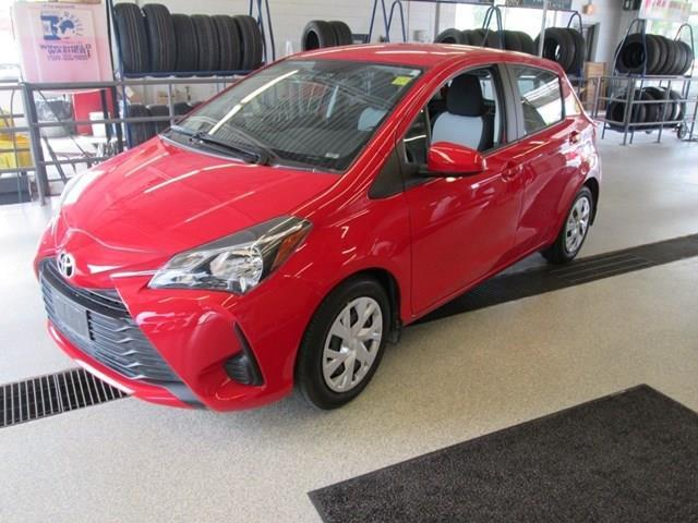 2018 Toyota Yaris LE (Stk: 207571) in Gloucester - Image 1 of 17