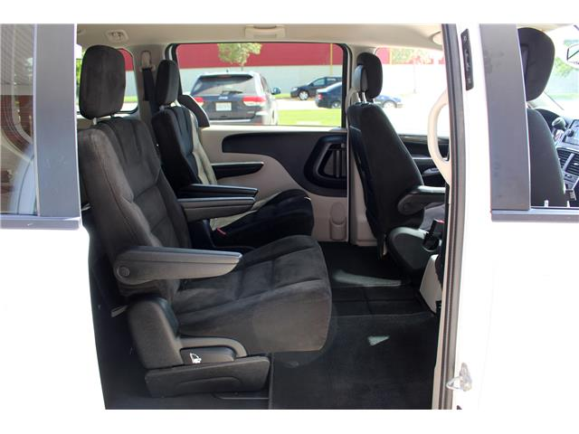2016 Dodge Grand Caravan SE/SXT (Stk: 323124) in Saskatoon - Image 15 of 19
