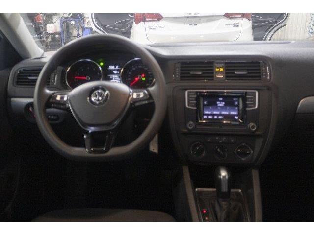 2017 Volkswagen Jetta 1.4 TSI Trendline+ (Stk: V920) in Prince Albert - Image 10 of 11