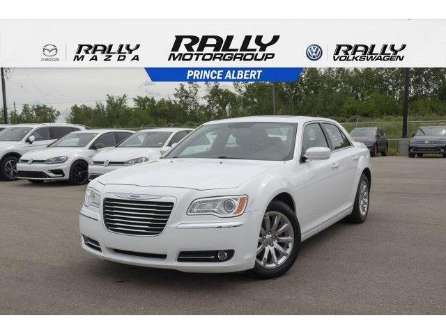 2013 Chrysler 300 Touring (Stk: V950) in Prince Albert - Image 1 of 11