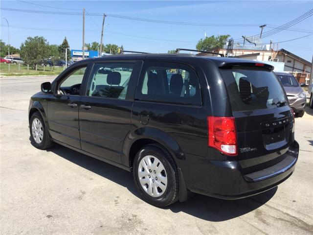 2014 Dodge Grand Caravan SE/SXT (Stk: ) in Winnipeg - Image 3 of 18