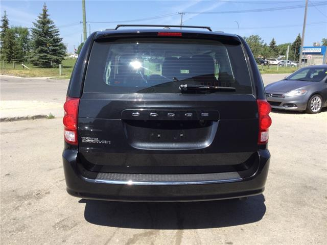 2014 Dodge Grand Caravan SE/SXT (Stk: ) in Winnipeg - Image 4 of 18