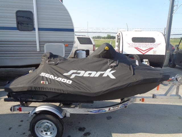 2014 Sea-Doo Spark with 2020 TRITON WAVE trailer Rotax ACE 900 90 hp
