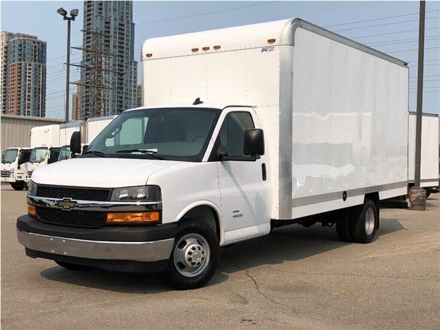 2019 Chevrolet Express Cutaway 4500 New 2019 Chev. Ecpress 4500 16' Cube-Van (Stk: NV95749) in Toronto - Image 1 of 17