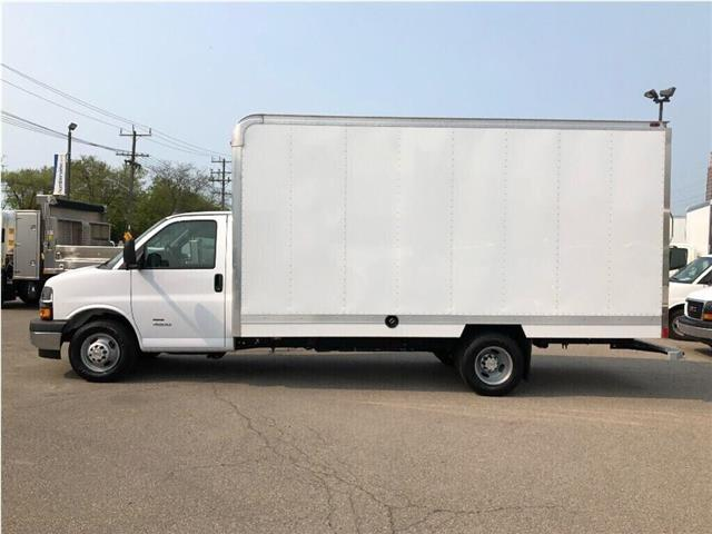 2019 Chevrolet Express Cutaway 4500 New 2019 Chev. Ecpress 4500 16' Cube-Van (Stk: NV95749) in Toronto - Image 2 of 17