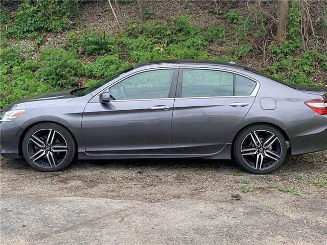 2017 Honda Accord Touring (Stk: J0534A) in London - Image 1 of 14