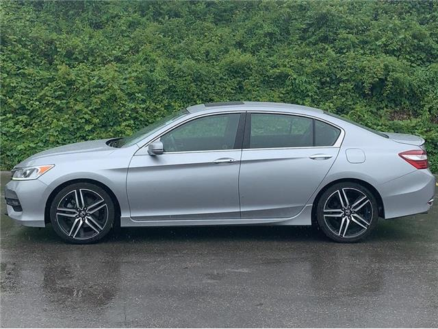 2017 Honda Accord Sport (Stk: J0675A) in London - Image 1 of 15