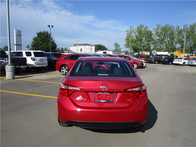 2017 Toyota Corolla LE (Stk: 1991841) in Moose Jaw - Image 4 of 26