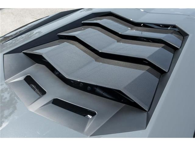 2017 Lamborghini Aventador SV|750 HP!|6.5L V12|1 OF 600|TWO TONE INTERIOR (Stk: 19HMS662) in Mississauga - Image 16 of 30