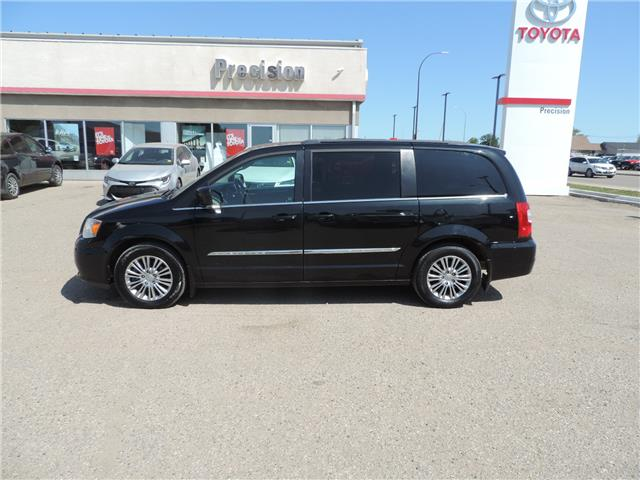 2014 Chrysler Town & Country Touring-L (Stk: 184701) in Brandon - Image 1 of 22
