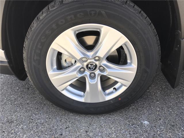 2019 Toyota RAV4 LE (Stk: 190372) in Cochrane - Image 9 of 14