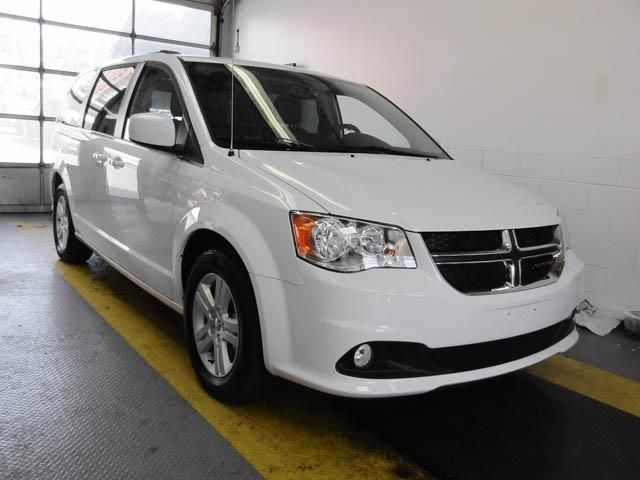 2018 Dodge Grand Caravan Crew (Stk: X-6127-0) in Burnaby - Image 2 of 24