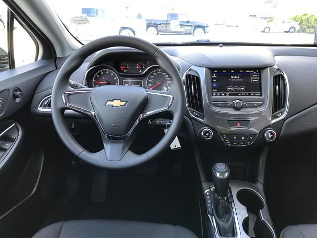 2019 Chevrolet Cruze LS (Stk: 9C22690) in North Vancouver - Image 6 of 13