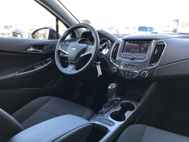 2019 Chevrolet Cruze LS (Stk: 9C22690) in North Vancouver - Image 4 of 13