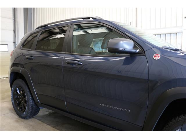 2019 Jeep Cherokee Trailhawk (Stk: KT106) in Rocky Mountain House - Image 4 of 28