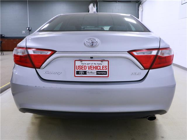 2015 Toyota Camry XLE (Stk: 195691) in Kitchener - Image 22 of 32