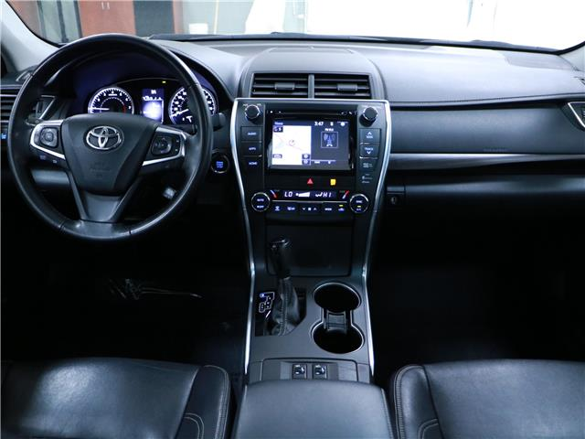 2015 Toyota Camry XLE (Stk: 195691) in Kitchener - Image 5 of 32